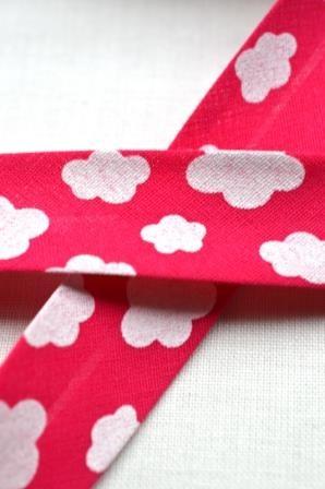 Schrägband, Wolken, pink