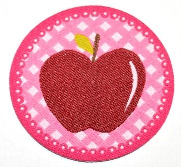 Applikation Apfel weinrot auf pink
