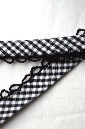 Schrägband mit Häkelborte, Vichykaro, schwarz