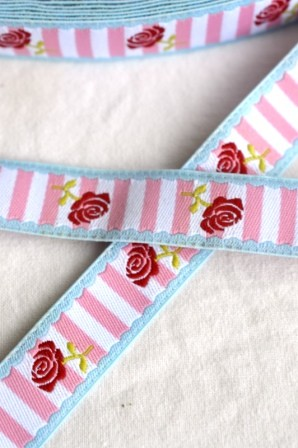 Rosen, rosa gestreift, Webband