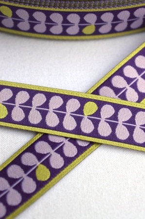 Eins, zwei, drei Blätter, violett, Webband