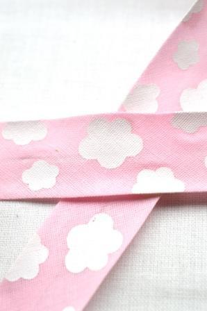 Schrägband, Wolken, rosa