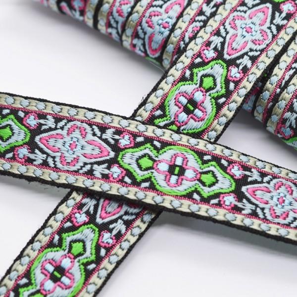 Ornamente grün-pink auf schwarz, Webband