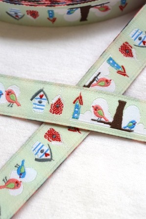 Piepmatz mit Vogelhäuschen, lindgrün, Webband