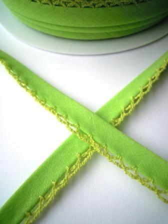 Schrägband mit Häkelborte, hellgrün