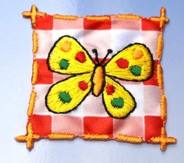 Applikation Schmetterling auf Karo