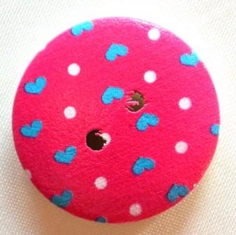Herzen und Punkte auf pink, Holzknopf