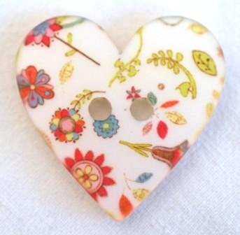 Blumen auf Herz, Knopf