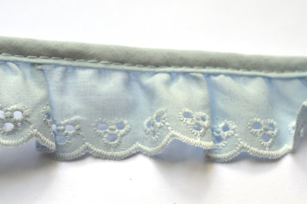 Stoffspitze Flora, hellblau, 34 mm