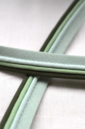 Paspelband, dreifärbig, oliv