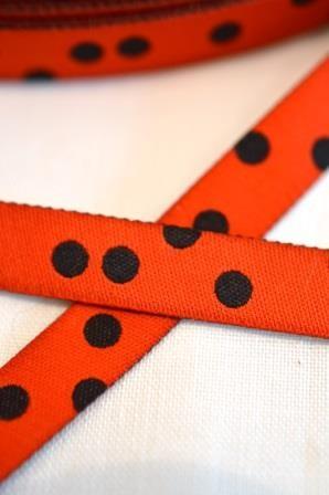 Punkteband, rot-schwarz, Webband beidseitig