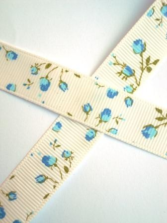 Röschen, blau, 9 mm Ripsband *SALE*