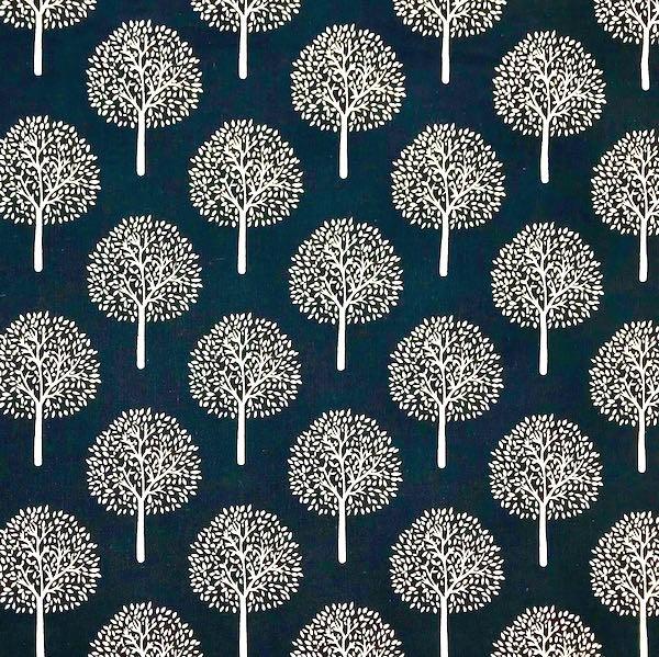 Steffi Bäume auf dunkelblau, Batist