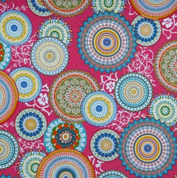 Mandalas bunt auf pink, Dekostoff