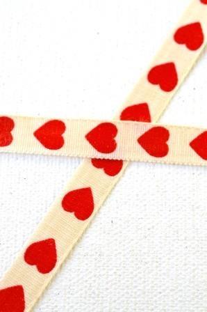 Herzen, rot, Stoffband