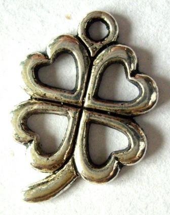 Kleeblatt No.1, Charm