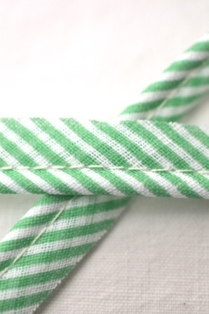 Paspelband, gestreift, grün