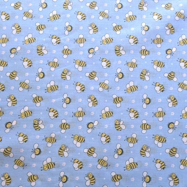Süße Bienchen auf hellblau, Baumwollstoff