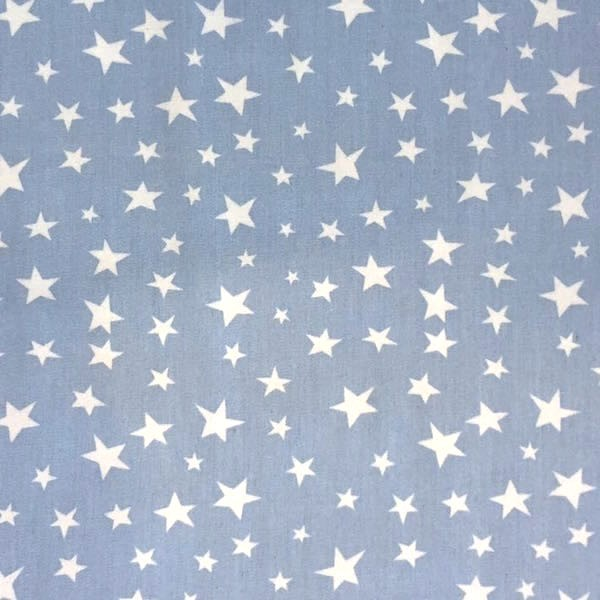 Sommerjeans hellblau mit unregelmäßigen Sternen