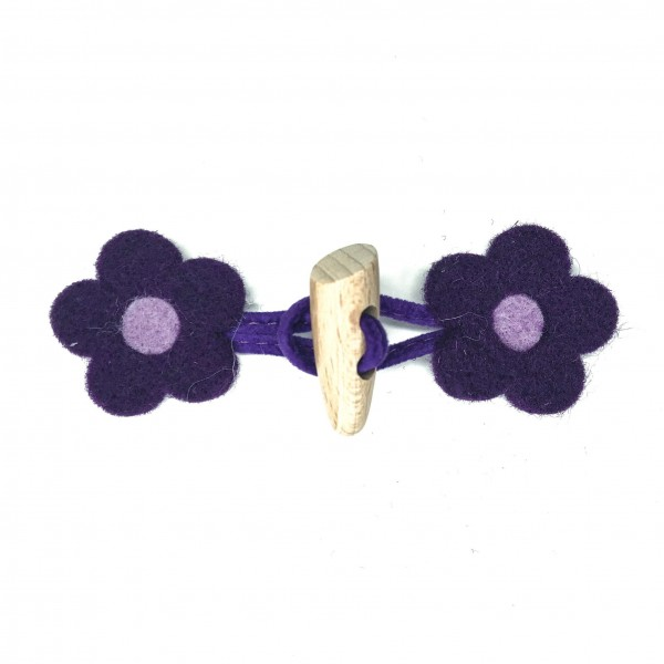 Knebelverschluss, Filzblume lila