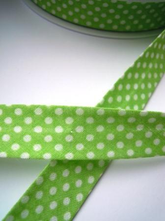Schrägband, gepunktet, weiß auf hellgrün