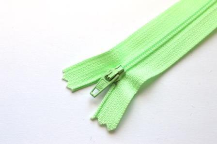 Reißverschluss, hellgrün