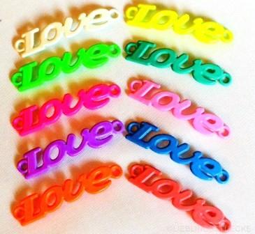 Love, bunt, Charm