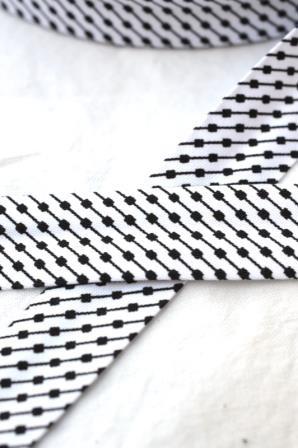 Schrägband, Black&White, Strichpunkt