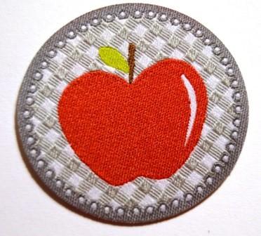 Applikation Apfel rot auf grau
