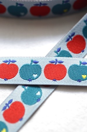 byGraziela Apfel, blau-rot, Webband