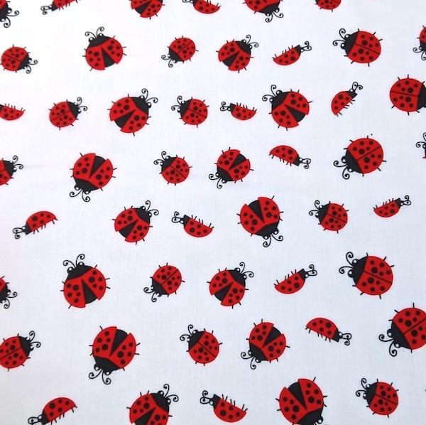 Marienkäfer rot auf weiß, Baumwoll-Popeline