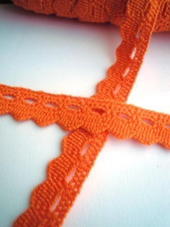 Klöppelspitze, orange, mit Zacken