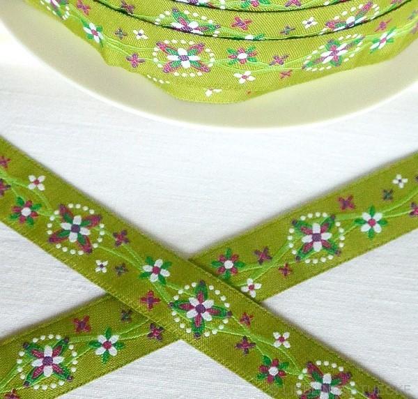 Blumenkette, grün, Webband