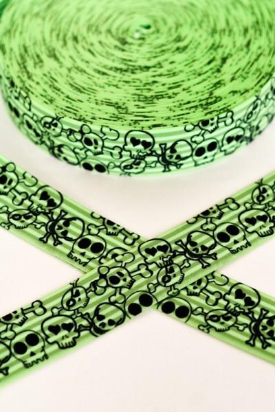 Gummiband breit, Skulls auf grün