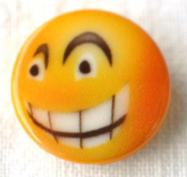 Smiley mit Zähnen, Knopf