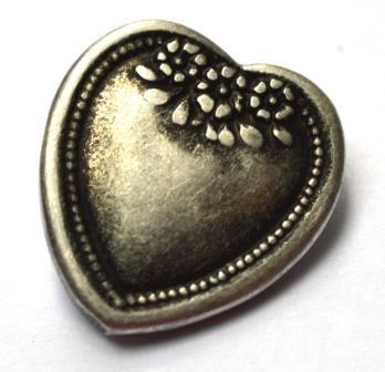 Trachtenknopf Herz mit Blümchen, metall