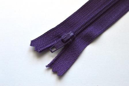 Reißverschluss, dunkles violett