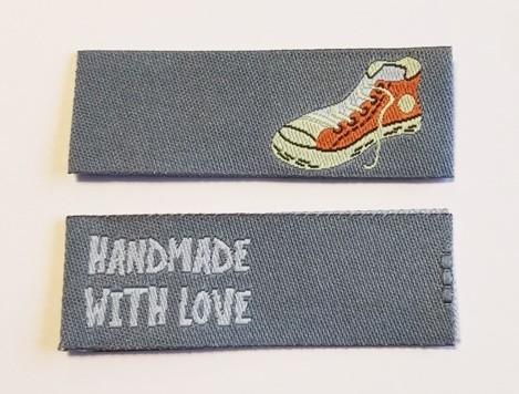 Handmade Sneaker, grau, Einnäher