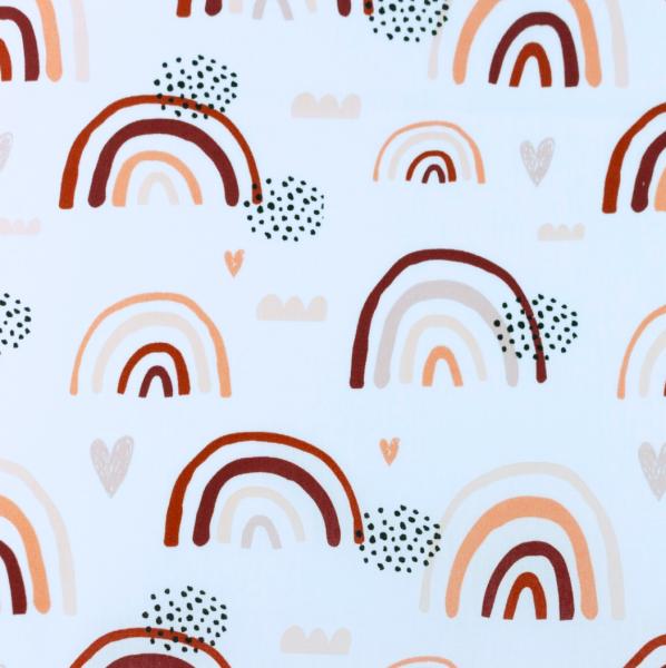 Baumwollpopeline Regenbogen und Herzen bordeaux auf weiß