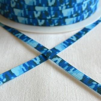 Gummiband, camouflage blau, 7 mm
