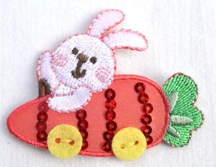 Applikation Hase im Karottenauto