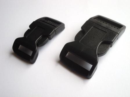 Kunststoffschnallen, gebogen, schwarz