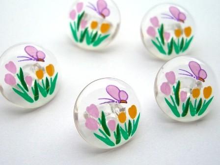 Blumenwiese mit Schmetterling, Knopf