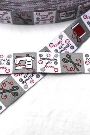 handmade, quadratische Label, rot, Webband