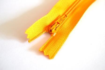 Reißverschluss, helles orange