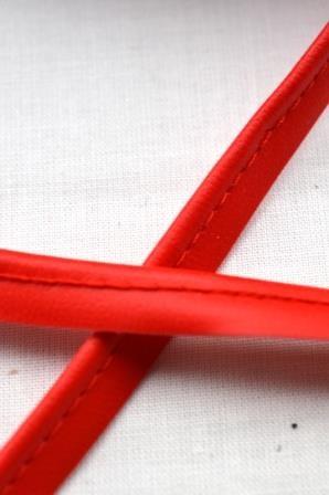 Kunstlederpaspel, rot