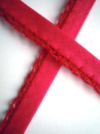 Schrägband mit Häkelborte, pink