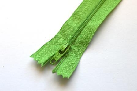 Reißverschluss, grasgrün
