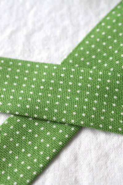 Westfalen Schrägband, Mini-Punkte grün