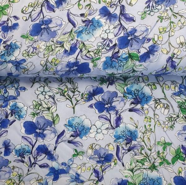 Viskosewebstoff Blumen auf hellblau